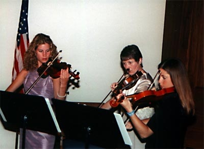 Violinists play Canon in D