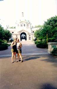Tara n Heather Bronx Zoo 2001