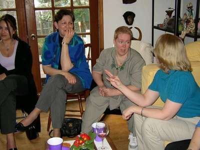 Valerie, Karen, my Mom, and Becky chatting...
