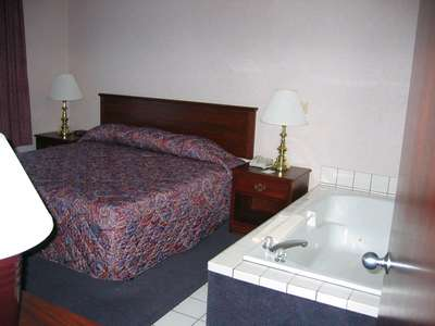 Bridal Suite Bedroom